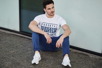 Stylisation no 441- Le tee-shirt imprimé, le pantalon chino